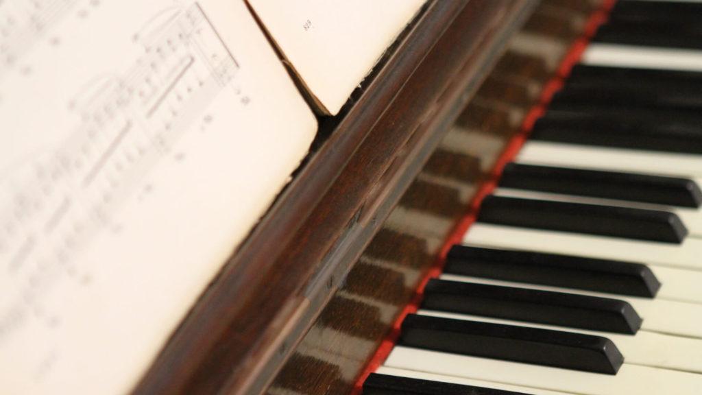 klawiatura_fortepianu_w_warszawie