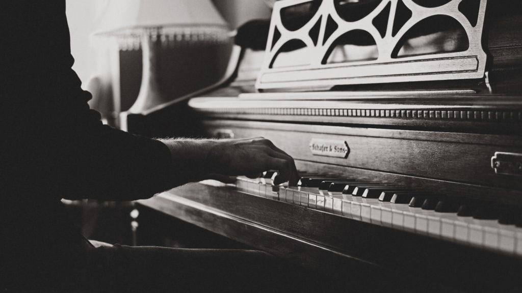 jak_gra_na_fortepianie_wpływa_na_człowieka